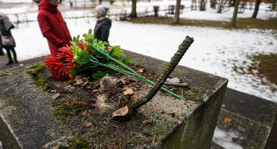 Заявление посольства России в Латвии в связи с демонтажем памятника советским воинам в городе Екабпилсе