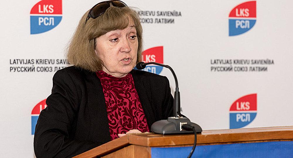 Фаворская: в Латвии ведут себя с русскими как с побежденным врагом